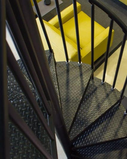 the-metropolitan-spiral-staircase-treads