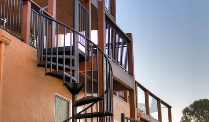 custom-the-vista-spiral-stair
