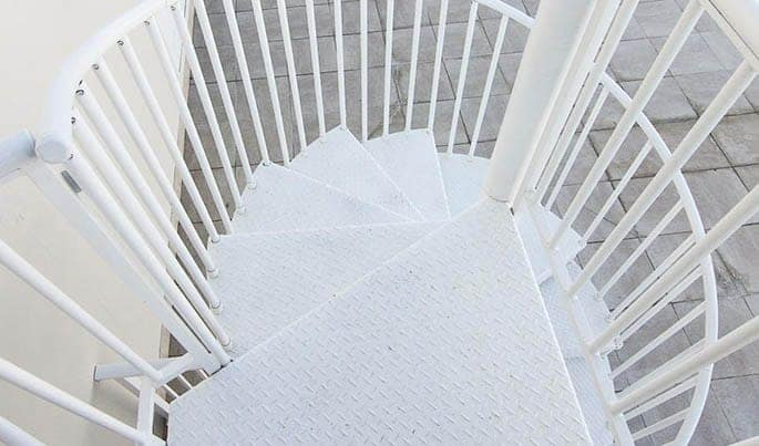 nonslip-the-contemporary-spiral-stair